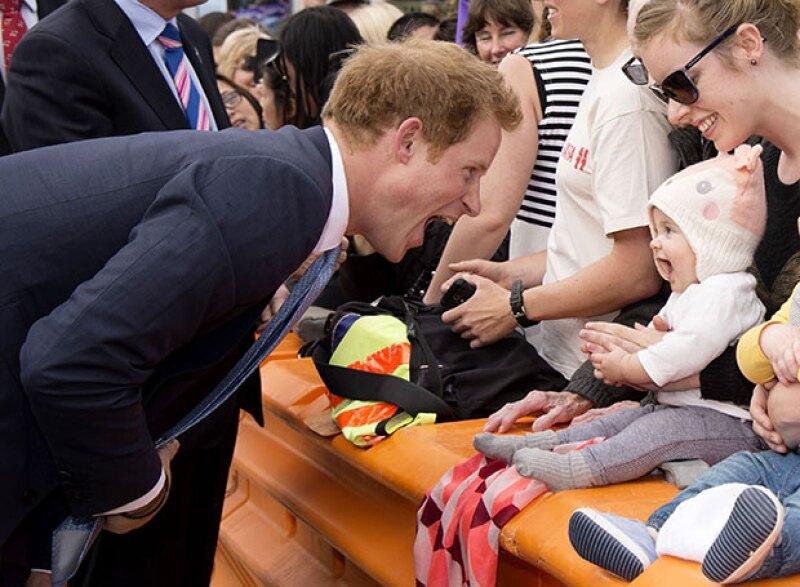Este bebé se robó el cariño del príncipe.