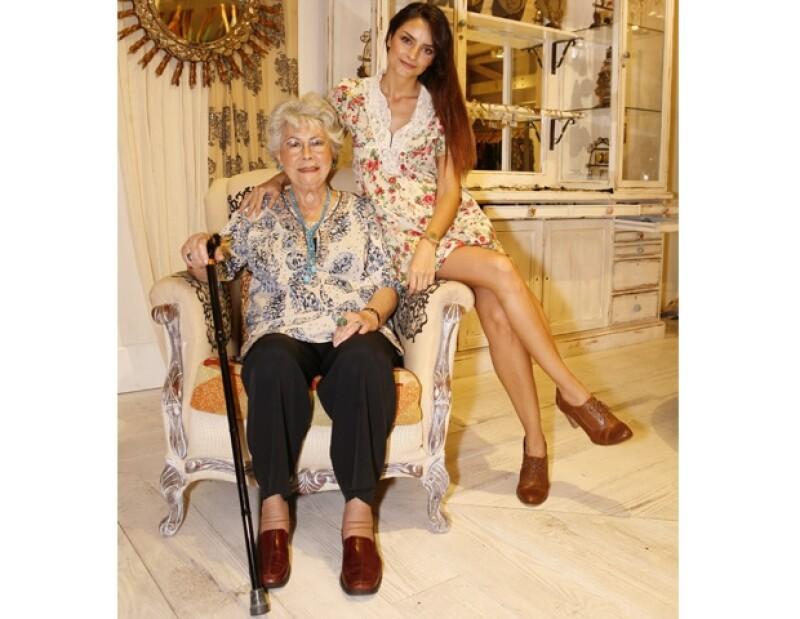 La hija de Eugenio Derbez y Gabriela Michel sigue los tips de belleza que su abuelita Gloria ha realizado a lo largo de su vida.