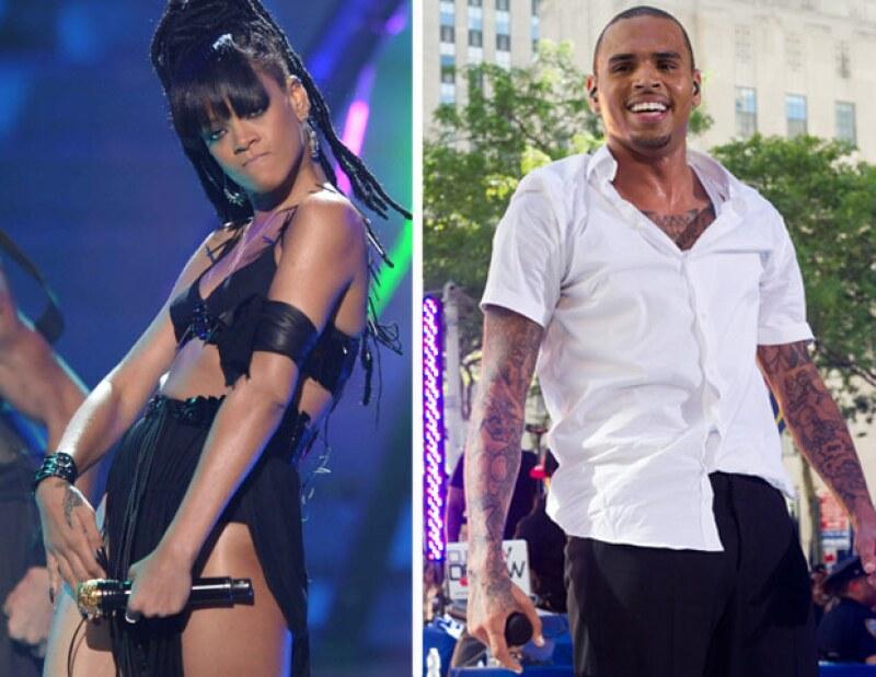 Al parecer la controvertida cantante regresó con su ex novio, a pesar de los fuertes problemas que tuvieron como pareja.