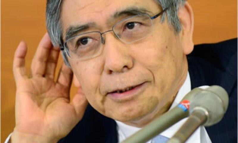 El agresivo estímulo de la entidad que dirige Haruhiko Kuroda busca abatir la deflación en el país asiático.  (Foto: Cortesía CNNMoney.com)