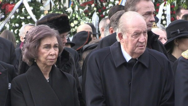 El rey emérito Juan Carlos enfrenta una investigación por corrupción en España