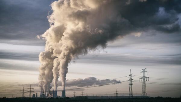 La estatal CFE es propietaria de tres centrales carboeléctricas.