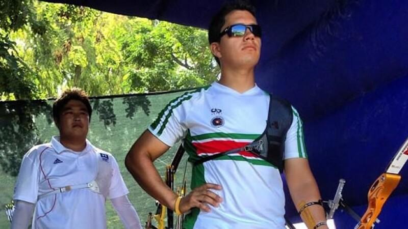 Rene Serrano gana plata en tiro con arco
