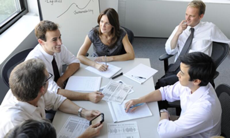 Para una pequeña empresa, un consejo de administración puede conformarse por un grupo de cuatro a seis participantes. (Foto: Getty Images)