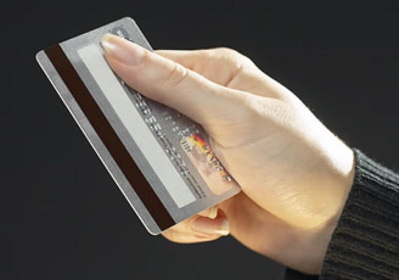 La cartera de crédito vigente al consumo registró una caída de 12.7%. (Foto: Jupiter Images)