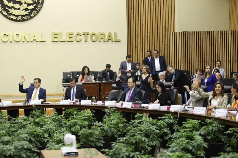 El INE promovió una investigación contra Margarita Zavala en el Tribunal Electoral para sancionar a Margarita Zavala. Revisa la información.
