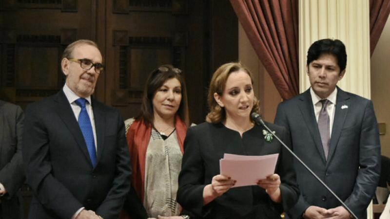 La canciller mexicana dice en el Senado de California que la sociedad entre México y Estados Unidos es inquebrantable pues son vecinos, aliados y amigos.