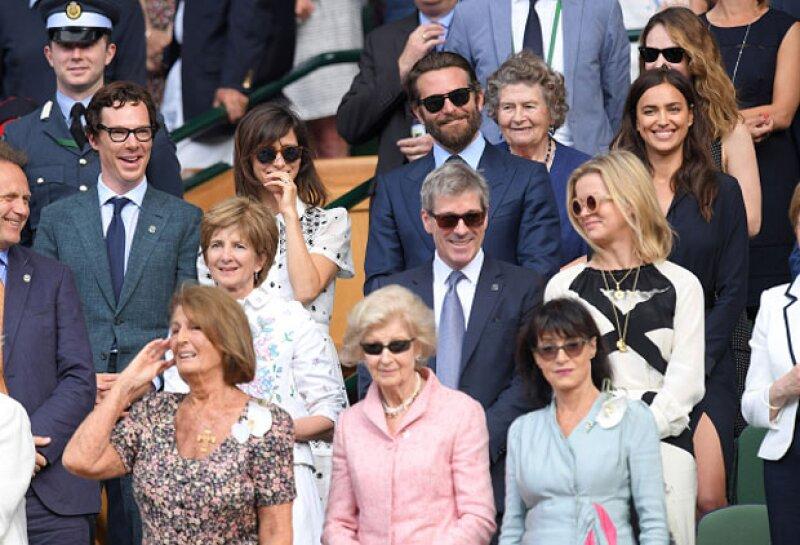 Además de Bradley e Irina, Benedict Cumberbatch y su esposa, Sophie Hunter, estuvieron en el partido y se sentaron al lado de ellos.