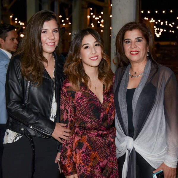 Marcela Monica y Elsa Longoria.jpg