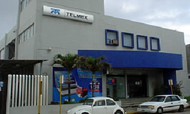 Telmex informó que con su desliste en la Bolsa mexicana se busca integrar los reportes financieros y costos administrativos con América Móvil. (Foto: De Telmex)