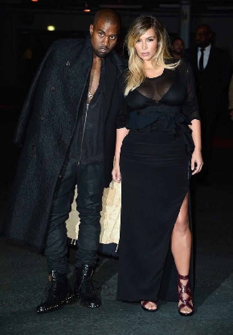 Entre los preparativos que estaría gestionando el rapero para su boda con Kim Kardashian, destaca el espectáculo de fuegos artificiales que iluminará la famosa torre.