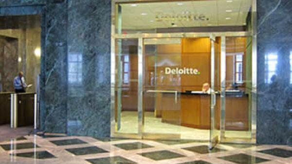 El gigante de la consultoría está comprometido con el desarrollo profesional de los nuevos empleados.  (Foto: Cortesía de CNNMoney)