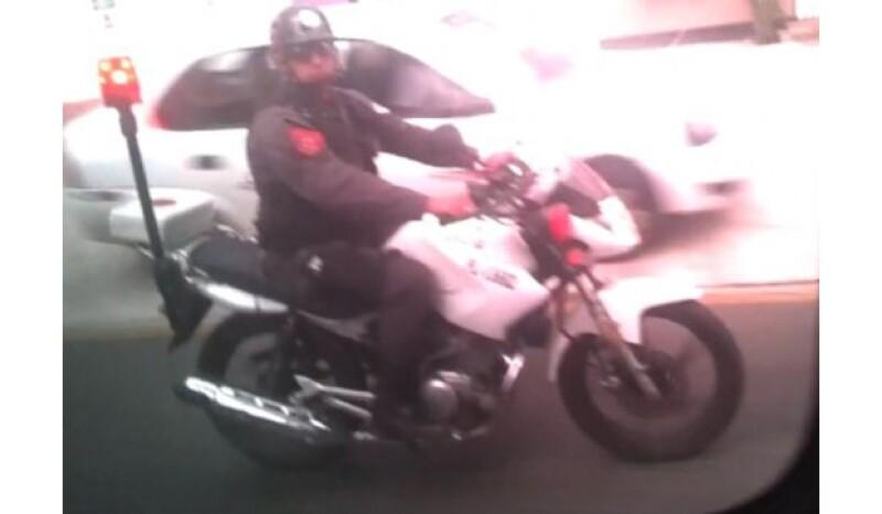 Durante su trayecto la banda fue escoltada por varios policías en motocicleta.