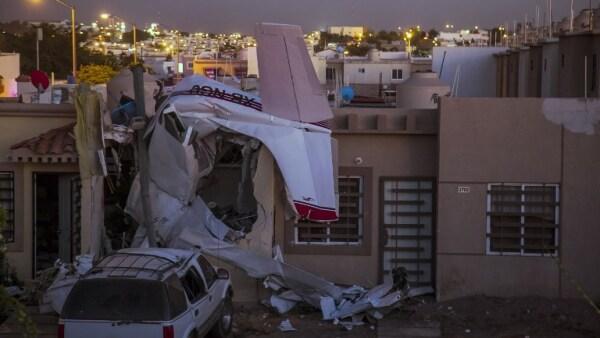 Cuatro personas murieron por la caída de una avioneta en Culiacán