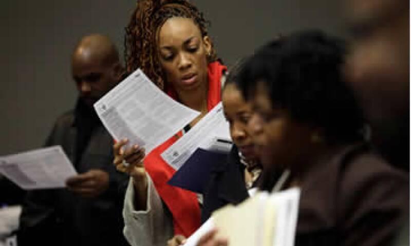 El dato de los subsidios por desempleo sugiere que el mercado laboral gana fuerza.  (Foto: Reuters )