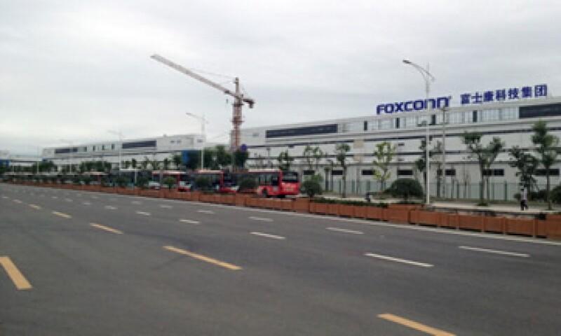 Foxconn realizó el anuncio después de investigar reportes de medios chinos respecto a practicantes menores de edad dentro de su fuerza laboral. (Foto: Getty Images)