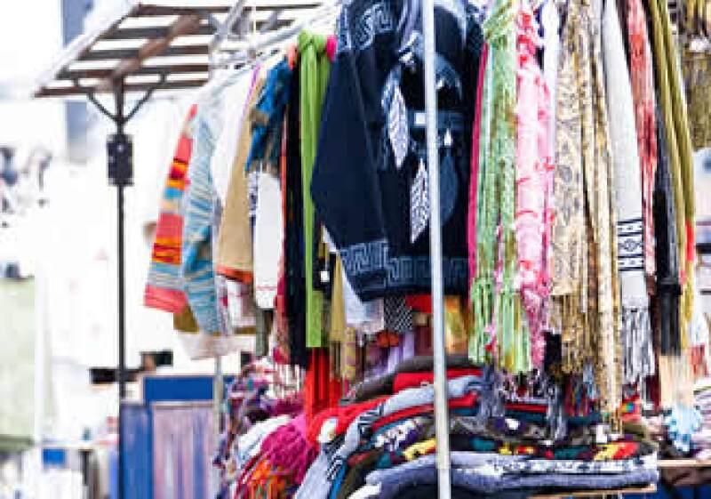 La economía informal será apoyada para vender productos formales (Foto: Jupiter Images)