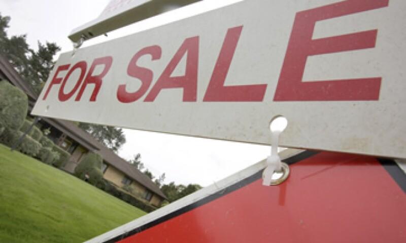 Los precios de las casas en Estados Unidos que han caído más de 30% desde su pico máximo en el 2006 parecen ya haber tocado fondo.  (Foto: AP)