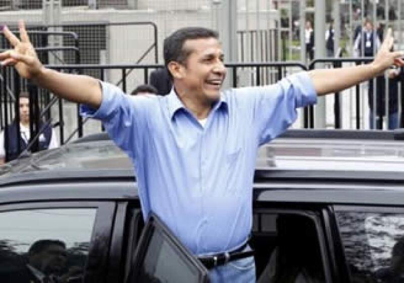 Las primeras encuestas de salida daban el triunfo al militar retirado Ollanta Humala. (Foto: Reuters)