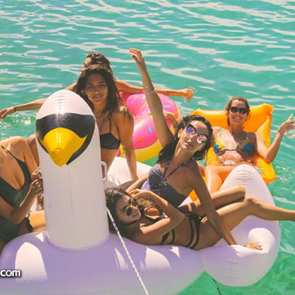 Erika Vargas,Ivonne Arambula,Karina Torres,Chantal Torres y Paola Vargas