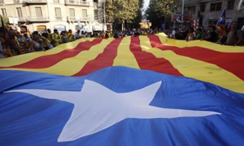 El Gobierno de Rajoy busca controlar el déficit público de España al tiempo que se resiste a un rescate internacional.  (Foto: Reuters)