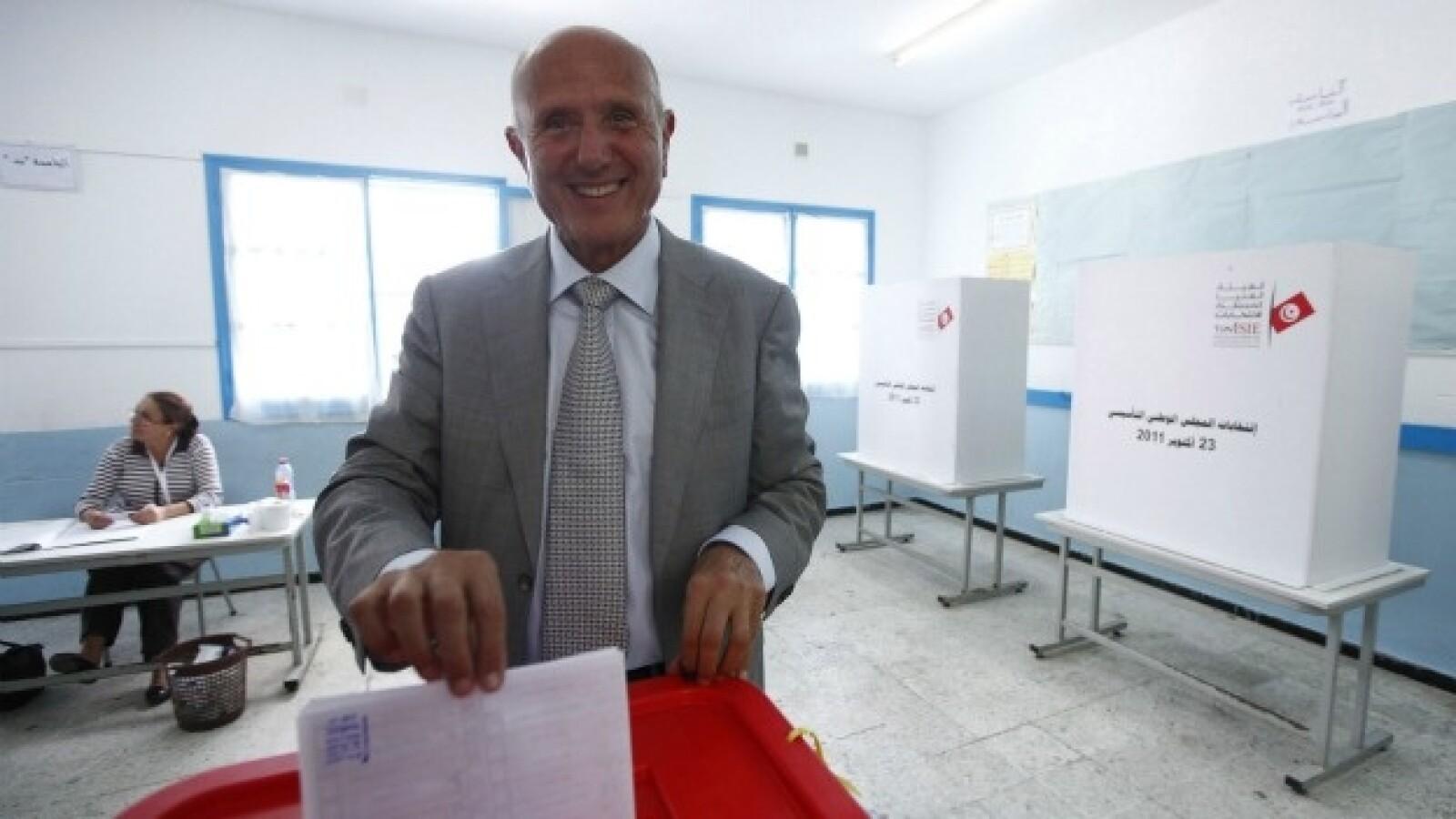 chebbi emite su voto