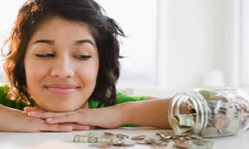 Convertir tu fondo de emergencia en un objetivo de ahorro puede ayudarte a reunirlo más fácilmente.  (Foto: Getty Images)