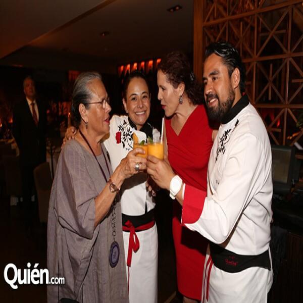 Carmen Titita,Yerika Muñoz,María Teresa Ramírez Degollado,Sergio Camargo