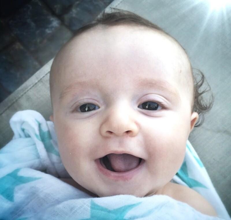 Jaimi Camil compartió una tierna foto del pequeño Jaime, su hijo de tres meses.