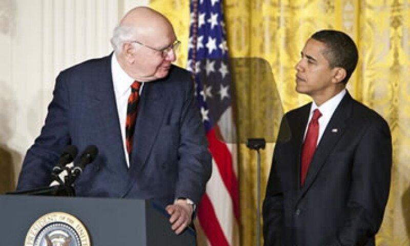 La regla toma el nombre del expresidente de la Fed Paul Volcker (izq). (Foto: Getty Images)