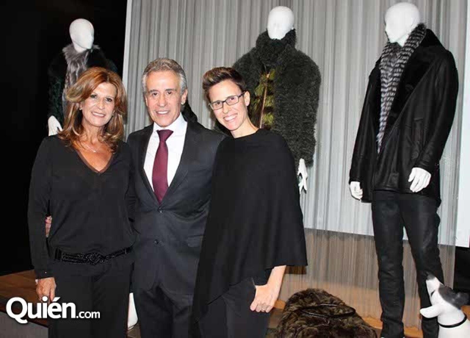 Martha,Rogelio y Claudia Hans