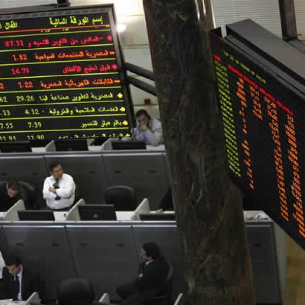 Dos escándalos financieros, Citigroup y Dubai World, recibieron esta semana rescates millonarios que los ponen de vuelta en el mundo de los negocios. El primero recibió 45,000 MDD de parte del Gobierno de EU mientras que el segundo, recibió del gobierno d