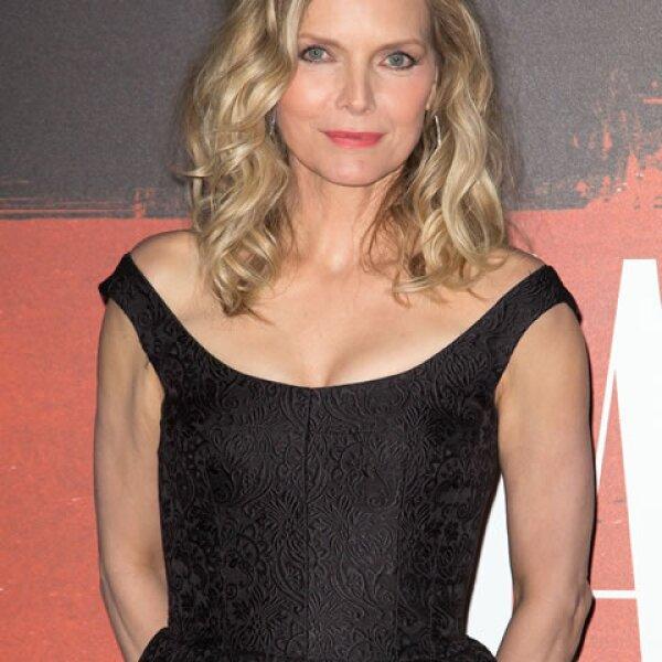 A sus 57 años, Michelle Pfeiffer conserva su sex appeal y porte.