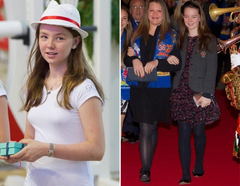 Alejandra es hija del segundo matrimonio de Carolina de Mónaco y es la única de sus hermanos que tiene título nobiliario.