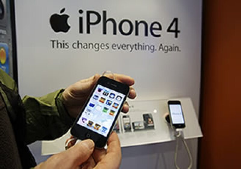 Apple, con 5.5% del mercado de celulares, se encuentra ahora a muy poca distancia de LG, con 6.6%. (Foto: AP)