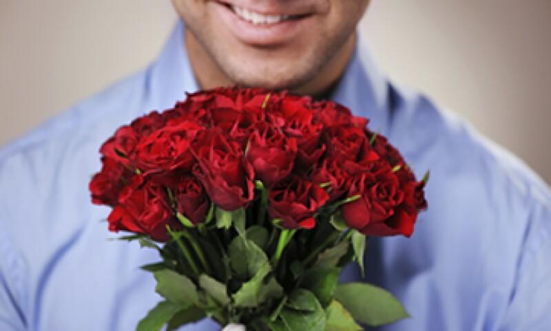 La Profeco colocará preciadores en florerías para que los consumidores comparen precios este 14 de febrero. (Foto: Getty Images)