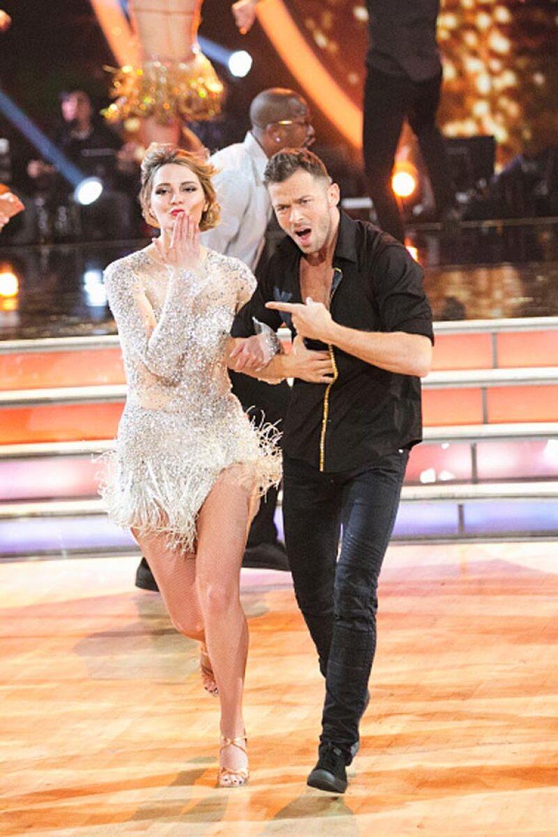 La actriz se encuentra participando en Dancing with the Stars.