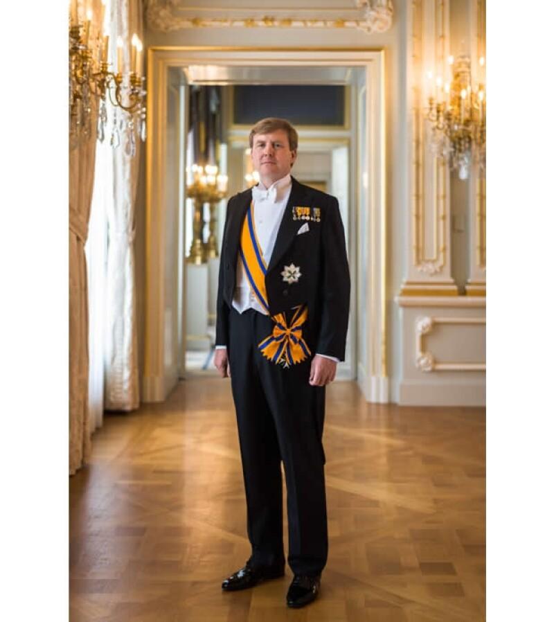 Con motivo de la ceremonia de investidura se publicaron las fotos oficiales de los ahora reyes de Holanda, Máxima y Guillermo Alejandro.