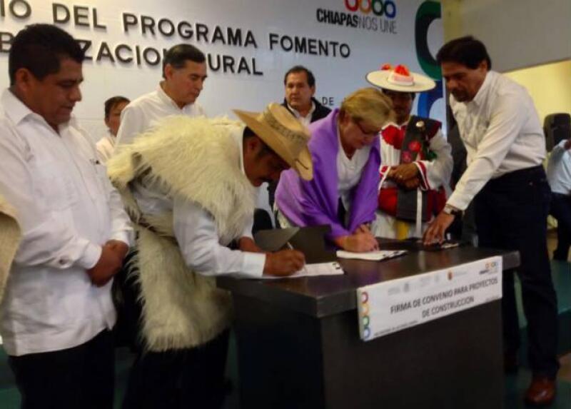 Sedatu firma convenio en Chiapas