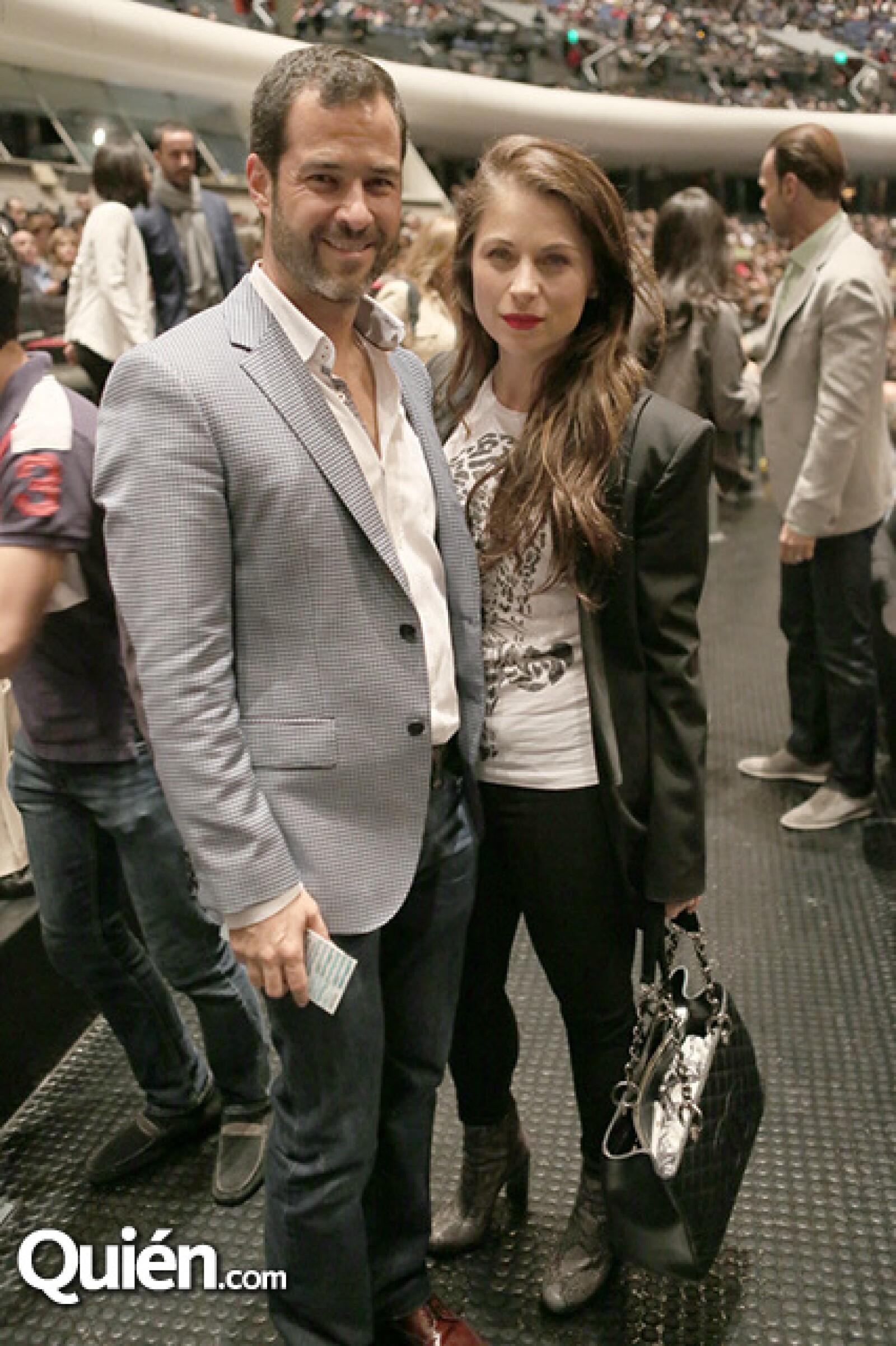 Emiliano Salinas y Ludwika Paleta