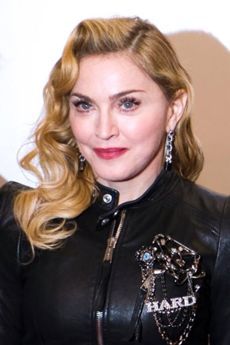 La cantante de 27 años dijo que no le interesa lo que la Reina del Pop piense sobre ella, inclusive aseguró que Madonna está enojada con ella por su indiferencia.