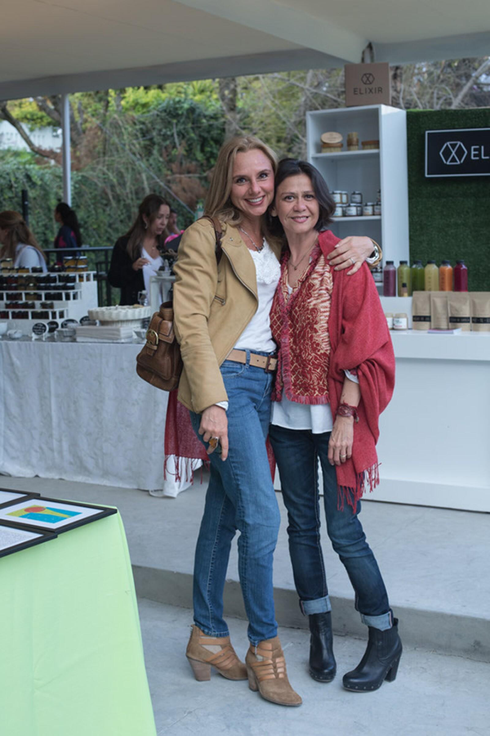 Claudia Merino y Myrne Saldivar