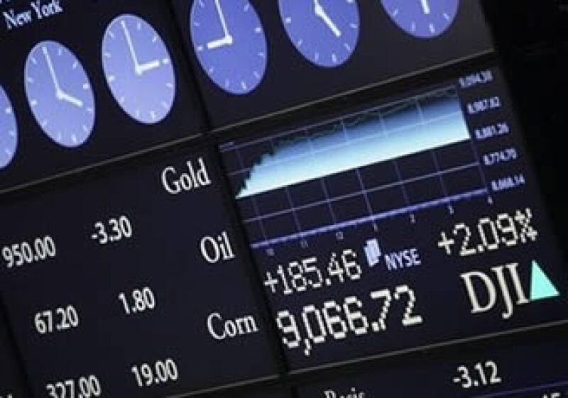 El promedio industrial Dow Jones subió a más de 9,000 unidades al cierre de la jornada. (Foto: AP)