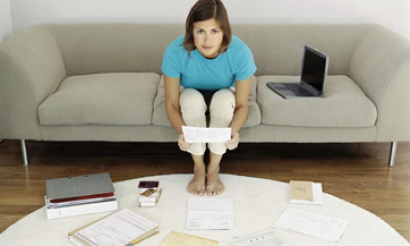 El primer paso para sanar a tu bolsillo es administrarte y crear un plan de pago. (Foto: Thinkstock)