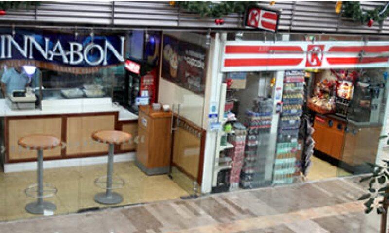 Desde abril de 2013, Fumisa ha mantenido un pleito con el AICM por los locales comerciales. (Foto: Notimex)