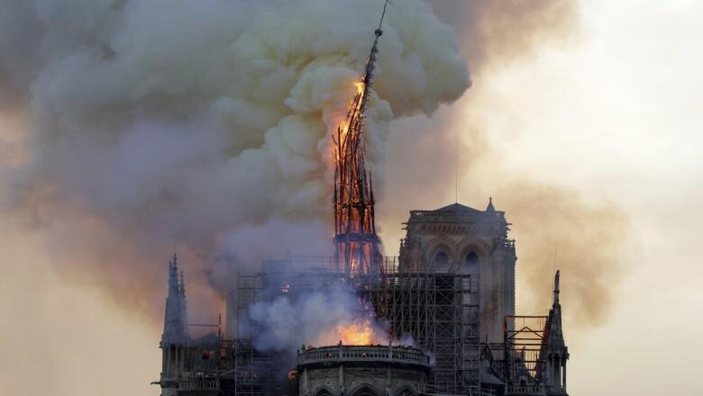 Incendio Notre Dame-6
