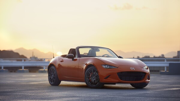 Mazda-MX-5-Miata-30th-Anniversary-Soft-Top-01.jpeg