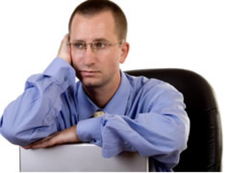 El trabajar muchas horas extras no significa que hagas más trabajo. (Foto: Archivo)