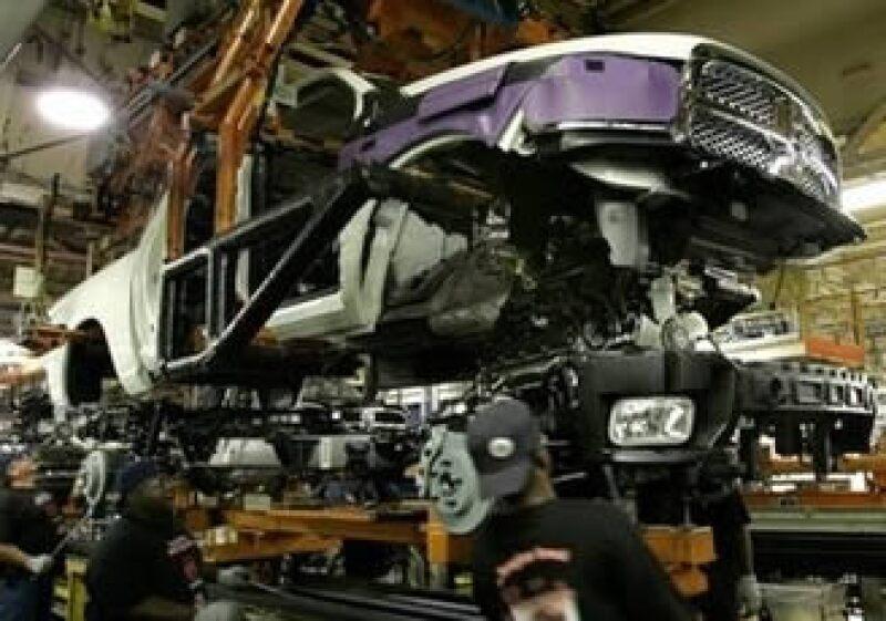 La demanda gira en torno al pago de los motores diesel suministrados por Daimler. (Foto: Reuters)