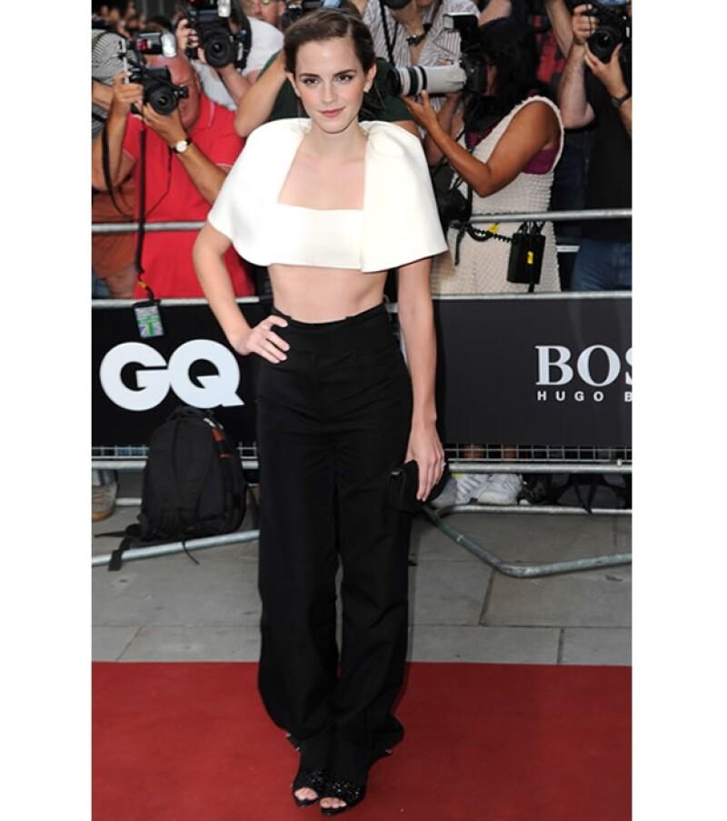 Esta no es la primera vez que Emma apuesta por un look monocromático. En Cannes se valió de la misma tendencia.